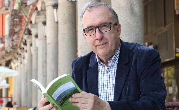 """El profesor Fernando Manero Miguel presenta su último libro: <em>""""Huellas que perviven. Ideas, Personas y Paisajes""""</em>"""